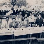 Από αριστερά:Σεμερτζίδης Κωνσταντίνος, Παναγιωτίδης Τηλέμαχος, Σεμερτζίδης Αλέξανδρος, Καραβασίλης Ματθαίος, όρθιος Σεμερτζίδης Λουκάς, Ζάχαρης Γεώργιος, Ασλανίδης Αθανάσιος, Δρακούλη Ελένη, Ελευθεριάδης Χαράλαμπος, Σεμερτζίδου Αθηνά, Ευθυμιάδης Αλέξανδρος